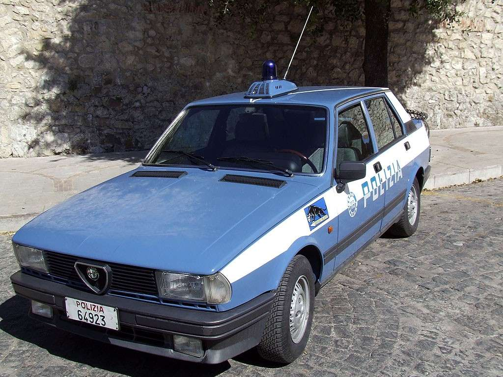 alfa-romeo-giulietta-polizia.jpg